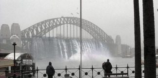 Cleverly doctored image of Sydney Harbour Bridge