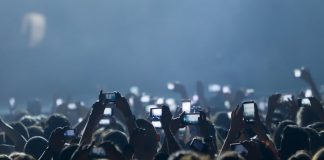 Concert by Shutterstock